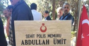 MHP'den Cuma Namazı Sonrası Şehitlik Ziyareti