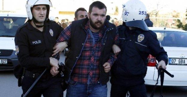 Akdeniz Üniversitesinde Çıkan Olaylarda 15 Kişi Gözaltına Alındı