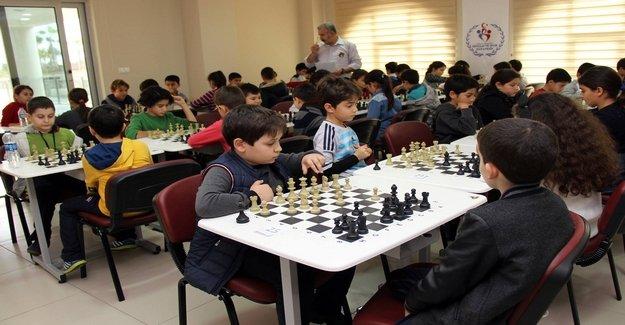 Alanya'da Satranç Turnuvası Başlıyor