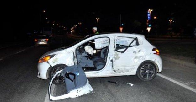 Kazada Yaralandı, Üzerinden Sahte TSK Kimlik Kartı Çıktı