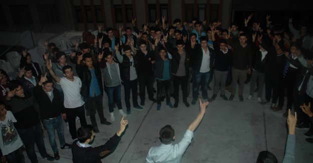 Ülkenin Geleceği Gençlerin Elinde