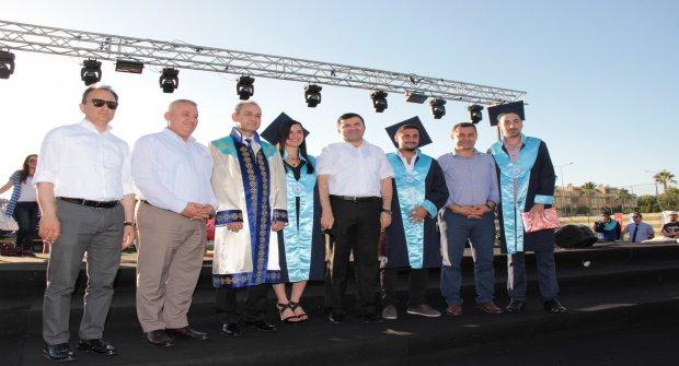 Alaaddin Keykubat Üniversitesinde Mezuniyet Heyecanı