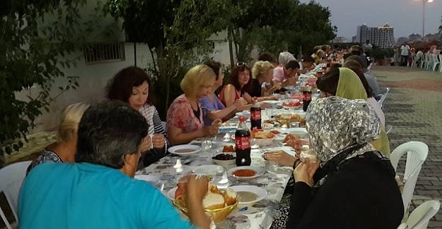 Alanya'da Yerleşik Yabancılara İftar