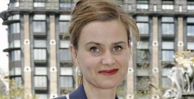 Saldırıya uğrayan kadın milletvekili öldü