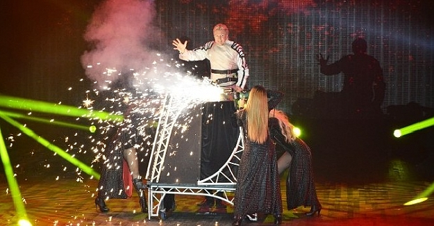 Sihirbaz Peter Marvey Expo 2016'da Büyülüyor