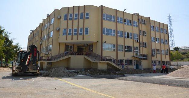 Konaklı Gazi Okulu'nun Drenaj Hattı Yapılıyor