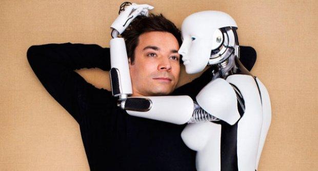 Gerçek Aşkı İnternette Arayanlar İçin Artık Yeni Bir Çöpçatan Var: Robot Lara