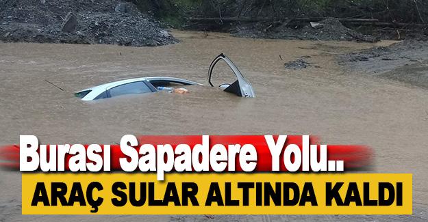 Alanya'da Araç Su Altında Kaldı