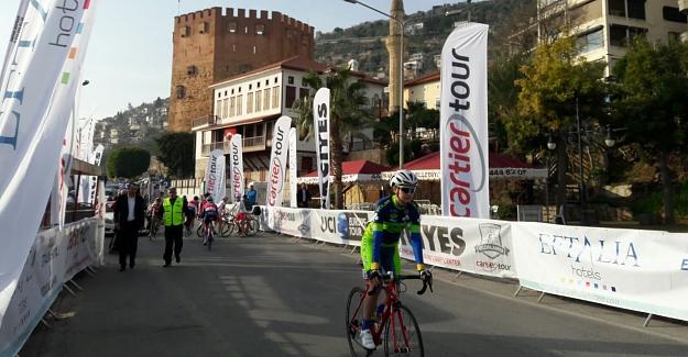 Alanya'da Hanımlar Yarışıyor