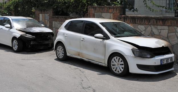 Alanya'da iki otomobili kundaklayan 3 kişi yakalandı