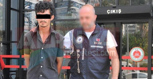 Alanya'da Kenevir ve Esrarla Yakalandı Tutuklandı