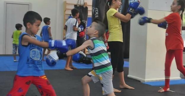 Çocuk ve gençlerin yeni gözdesi Muay Thai
