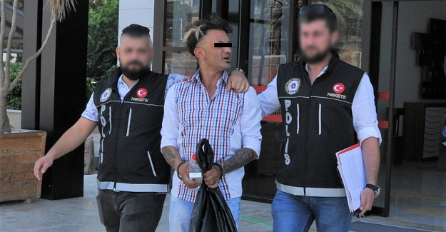 Alanya'da evinde uyuşturucu satan 1 kişi tutuklandı