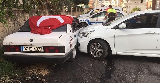 Alanya'da Trafik magandası polis aracına çarptı