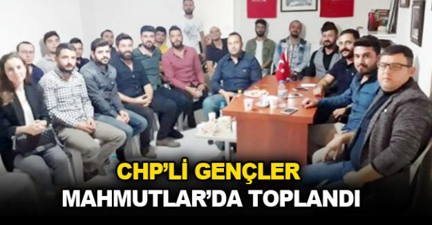 CHP'li gençler Mahmutlar'da toplandı