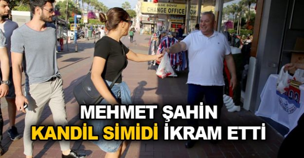 Mehmet Şahin kandil simidi ikram etti