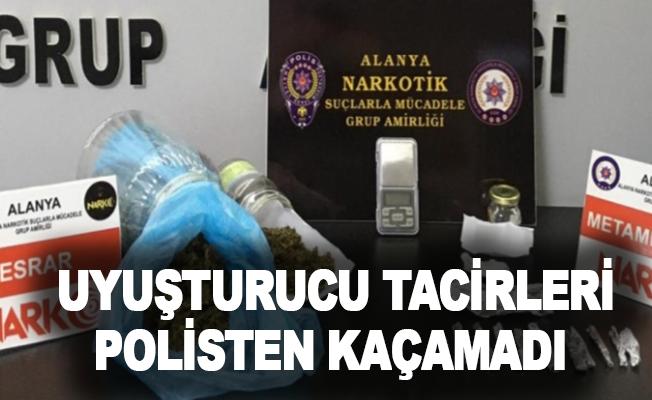 Alanya'da uyuşturucu tacirleri polisten kaçamadı!