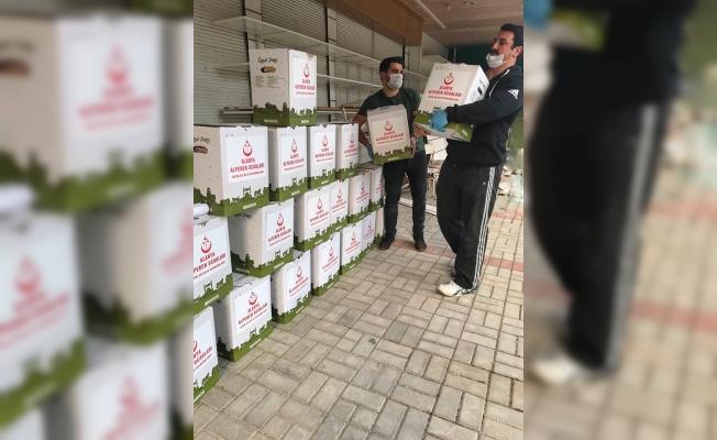 Alanya Alperenler'den Ramazan kolisi yardımı