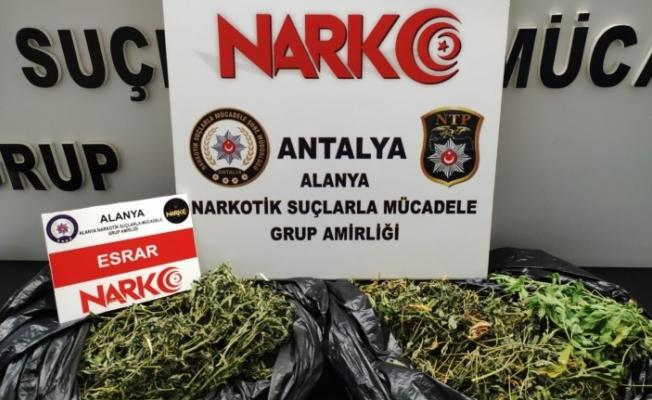 Alanya'da uyuşturucu şüphelisi tutuklandı