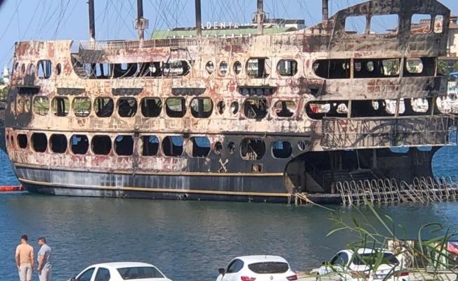 Alanya Türkler'de bulunan limanda temizlik çalışmaları başladı