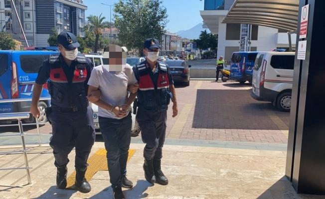 Alanya'da jandarmada seraya uyuşturucu baskını yaptı