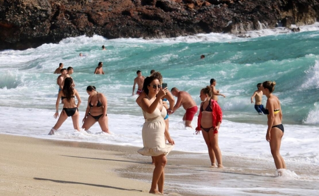 Alman turist Alanya'dan vazgeçmedi