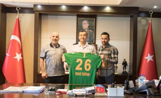 Çavuşoğlu'ndan Tuğgeneral Özfidan'a nezaket ziyareti