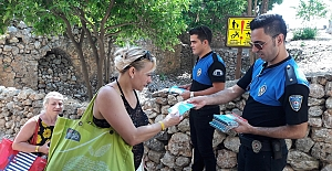 Alanya Emniyeti Turistlere rehber oluyor