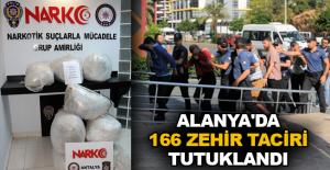 Alanya'da 166 zehir taciri tutuklandı