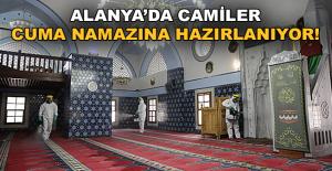 Alanya'da camiler cuma namazına hazırlanıyor