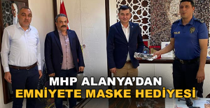 MHP, Alanya Emniyeti'ne maske hediye etti