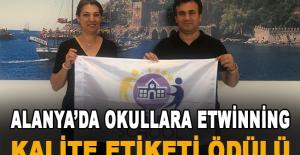 Alanya'da Okullara eTwinning Kalite Etiketi Ödülü