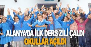 Alanya'da okullar açıldı