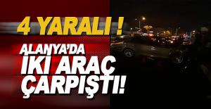 Alanya'da 2 Otomobil Çarpıştı