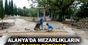 Alanya'da mezarlıkların bakımı sürüyor