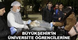 Büyükşehir'in üniversite öğrencilerine çorba ikramı sürüyor