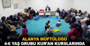 Alanya Müftülüğü 4-6 yaş grubu Kur'an Kursları'nda Kandil Programı düzenledi