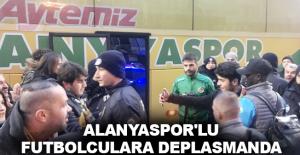 Alanyaspor'lu futbolculara deplasmanda taraftar morali