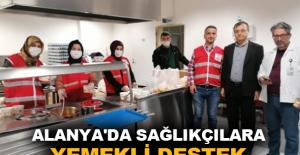 Alanya'da sağlıkçılara yemekli destek
