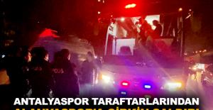 Antalyaspor taraftarlarından Alanyaspor'a çirkin saldırı