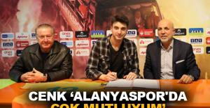 Cenk 'Alanyaspor'da çok mutluyum'