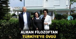 Alman filozoftan Türkiye'ye övgü