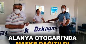 Alanya Otogarı'nda maske dağıtıldı