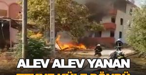 Alev alev yanan tekne küle döndü