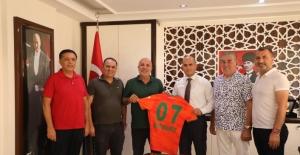 Alanyaspor'dan emniyet müdürlüğüne 'hayırlı olsun' ziyareti