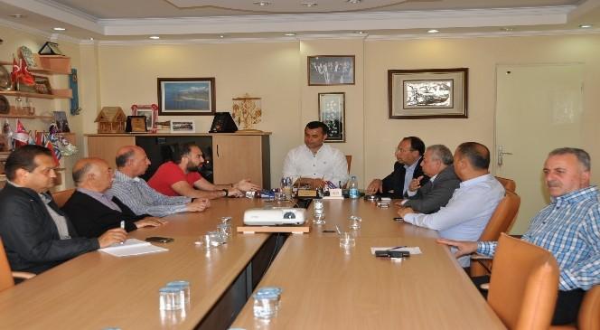 Başkan Yücel Turizmcilerle Değerlendirme Toplantısı Yaptı