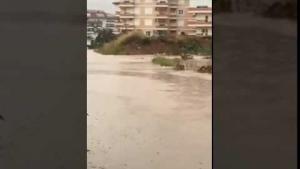 Alanya'da Evini Su Basan Vatandaş İşe Gidemedi